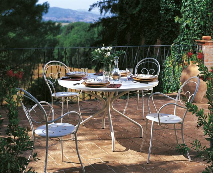 Arredamento per giardini arredo giardino arredo giardino for Arredo giardino in ferro
