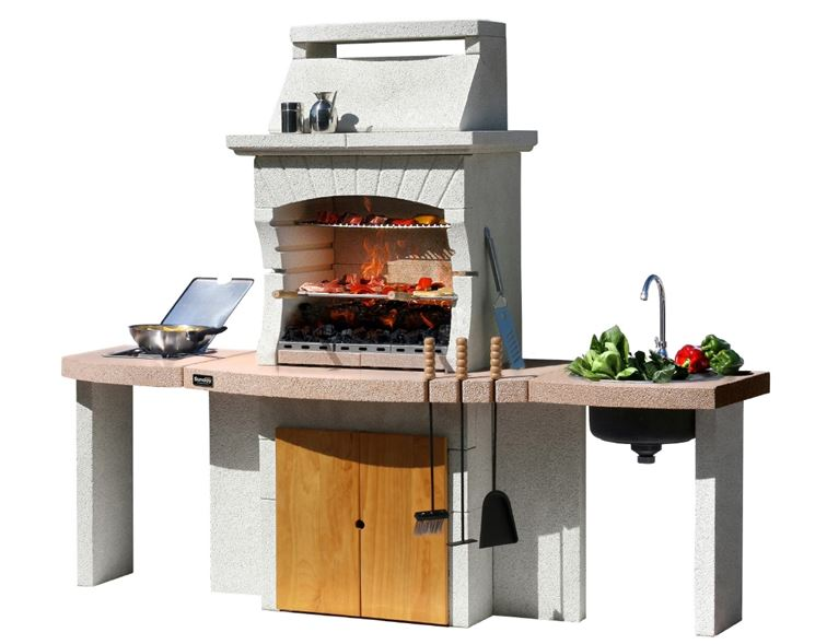 Esempio barbecue in pietra