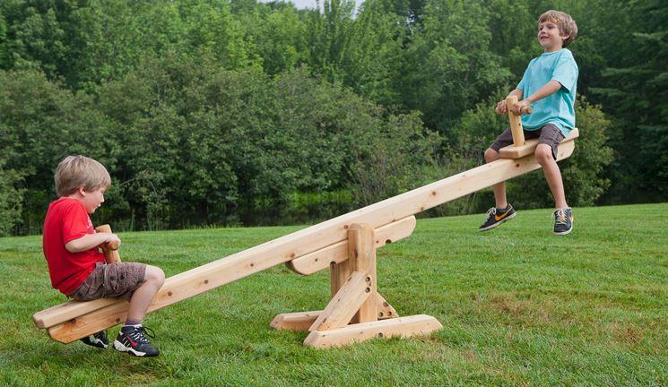Dondolo in legno