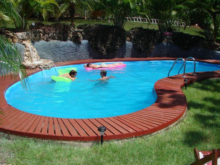 Esempio piscina in giardino