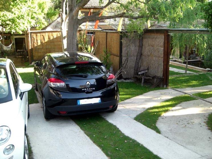 Posto auto in giardino