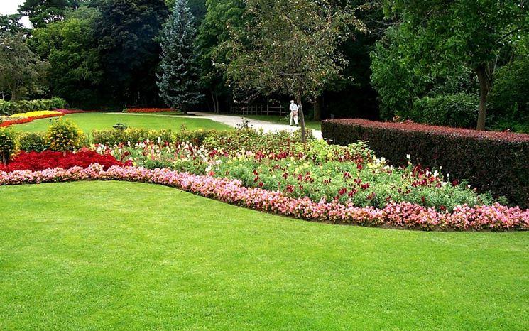 Progettare giardino con aiuola