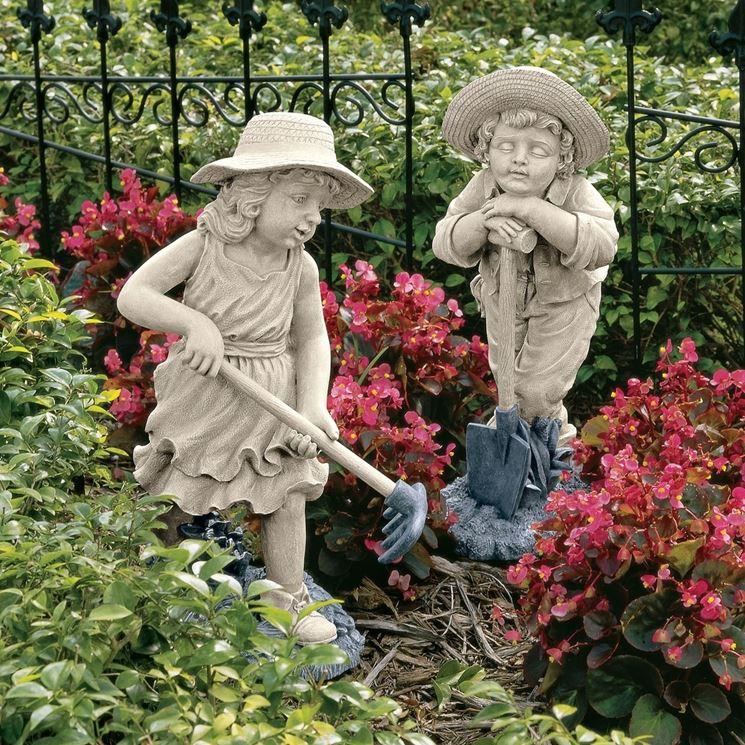 sistemare statue da giardino