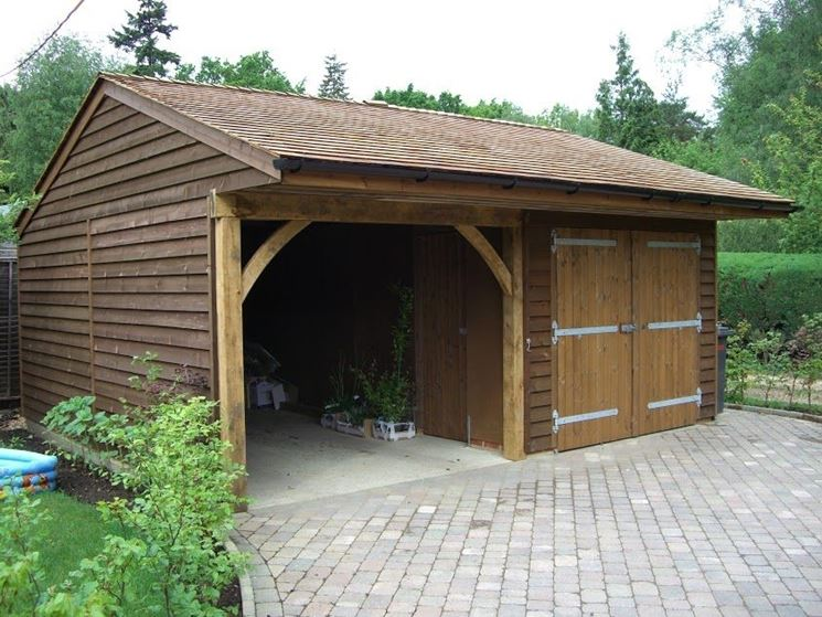 Box auto in legno casette in legno posto auto for Costo del garage di due auto