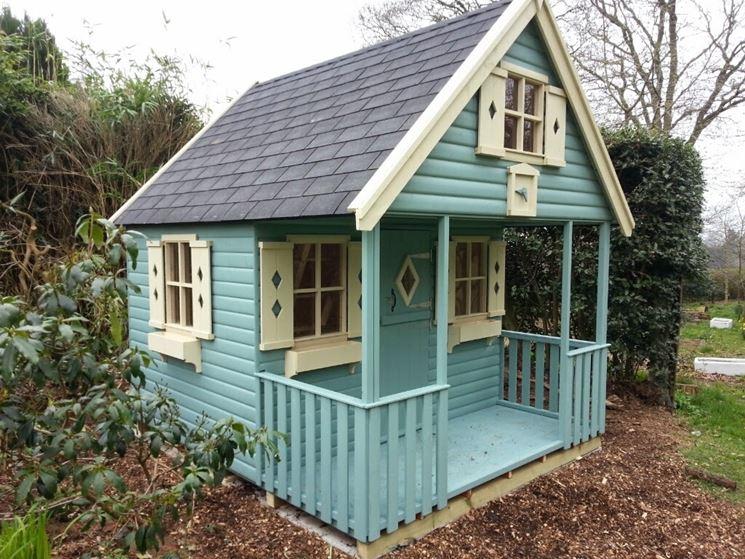 Casetta in legno colorato per bambini