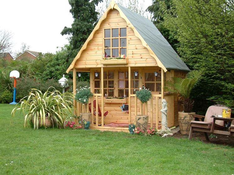 Una colorata casetta in legno per bambini