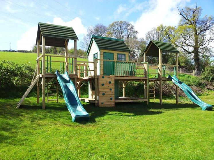 Casette per bambini casette in legno idee per una for Grande casetta per bambini