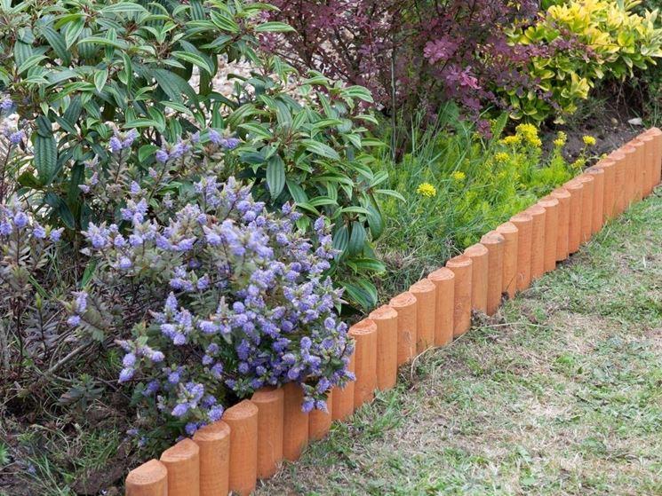 bordure per aiuole giardinaggio cura aiuola