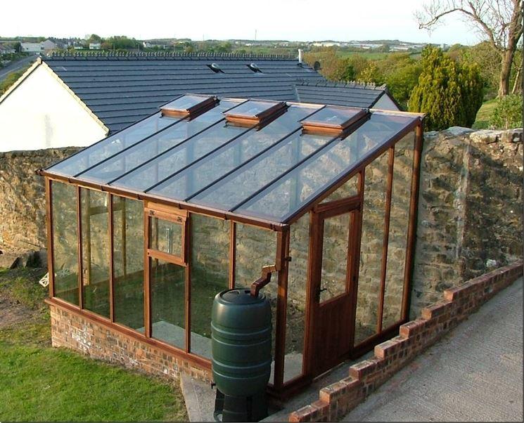 Costruire una serra giardinaggio come realizzare una serra for Costruire serra legno