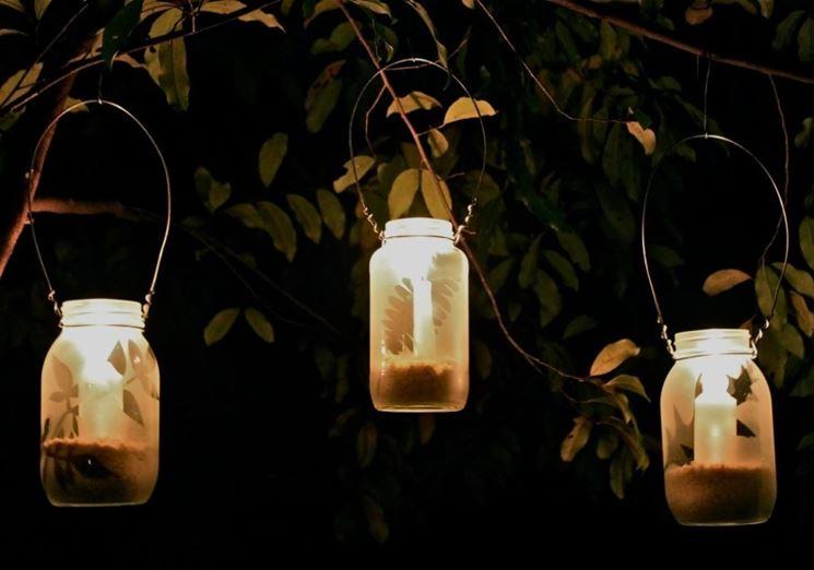 Illuminare giardino senza corrente: come illuminare un terrazzo