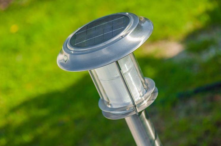 Lampada solare per il giardino
