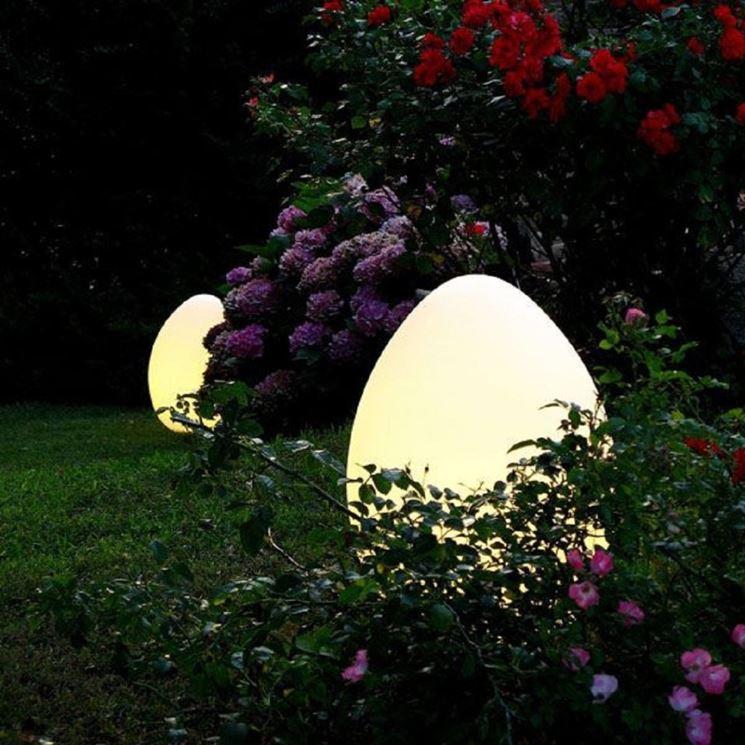 Particolare modello di lampade solari per giardino