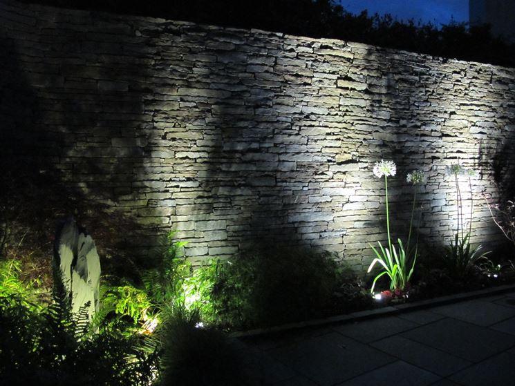 Luci per esterno lampade da giardino tipologie di luci per esterno