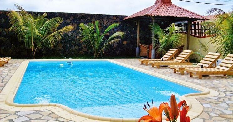 Esempio di piscina prefabbricata