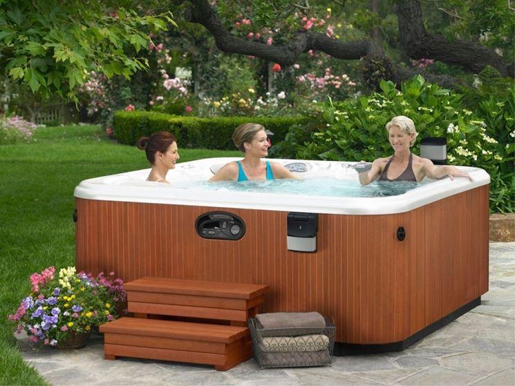 Vasche idromassaggio da esterno piscine da giardino for Piscine in offerta