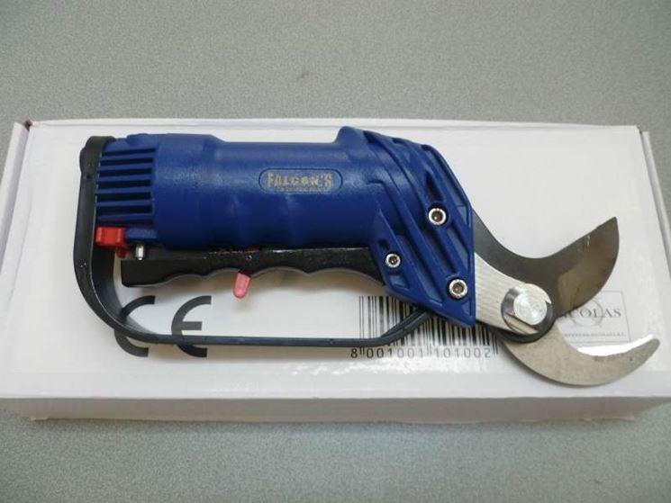 Un modello di forbici pneumatiche per potature