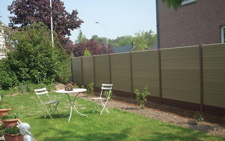 Pali per recinzione recinzioni casa tipi di pali per for Materiali da costruzione della casa
