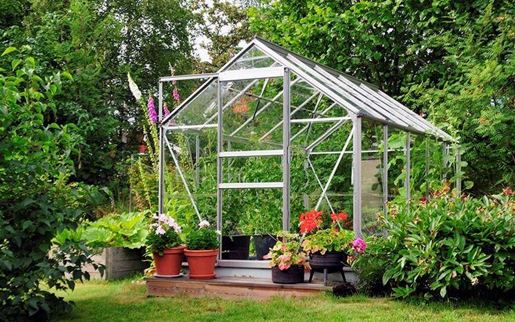 serra per orto in giardino