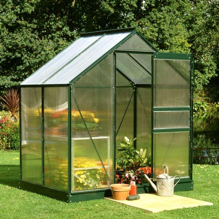 Serre in policarbonato serre per orto serre policarbonato for Serre da giardino policarbonato
