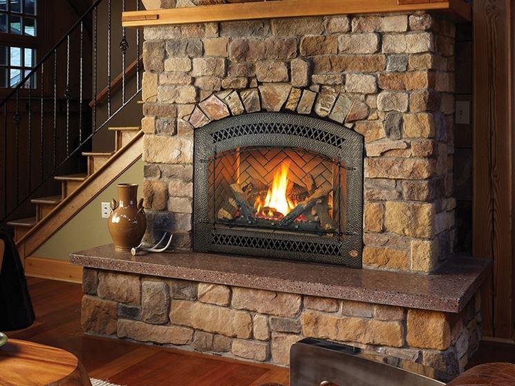 Caminetti a legna caminetto tipi di camini a legna - Tipi di riscaldamento casa ...