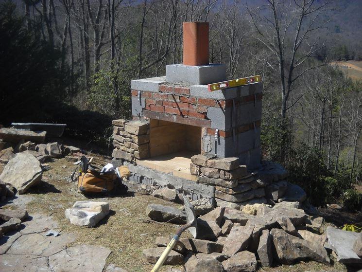 Camino costruito in pietra