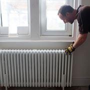 L'installazione di un termosifone in un'abitazione