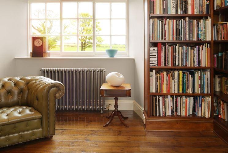 Radiatore in ghisa in soggiorno