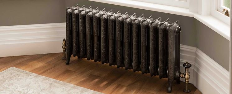 Antico radiatore in ghisa