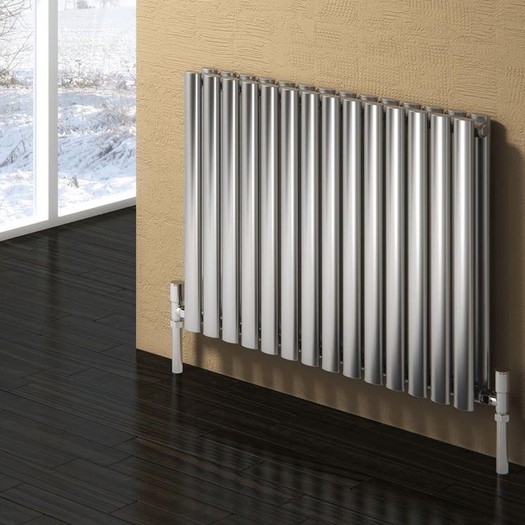 Piccolo termosifone in acciaio