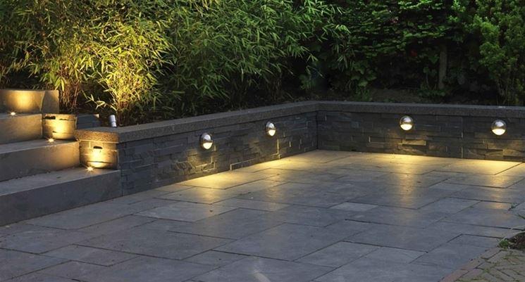 Illuminazione da giardino illuminazione casa luci giardino - Sfere illuminazione giardino ...