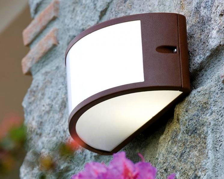 Illuminazione esterna a parete - Illuminazione casa - Illuminazione a parete ...