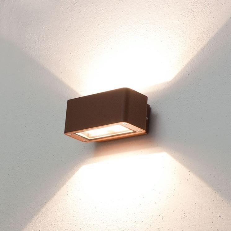 Illuminazione esterna a parete illuminazione casa - Illuminazione a pavimento per esterni ...