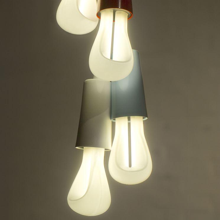 Lampadine a fluorescenza accese