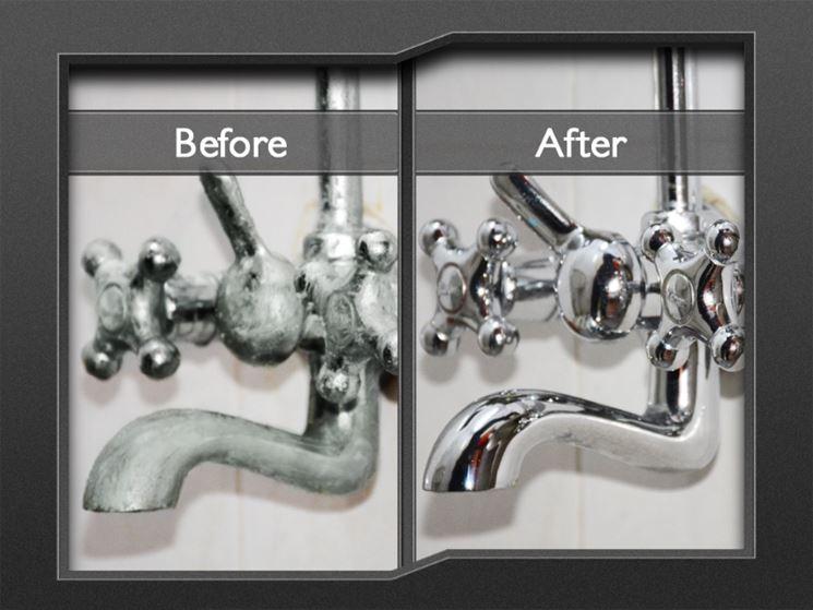 Danni causati dal calcare su un rubinetto (prima e dopo)