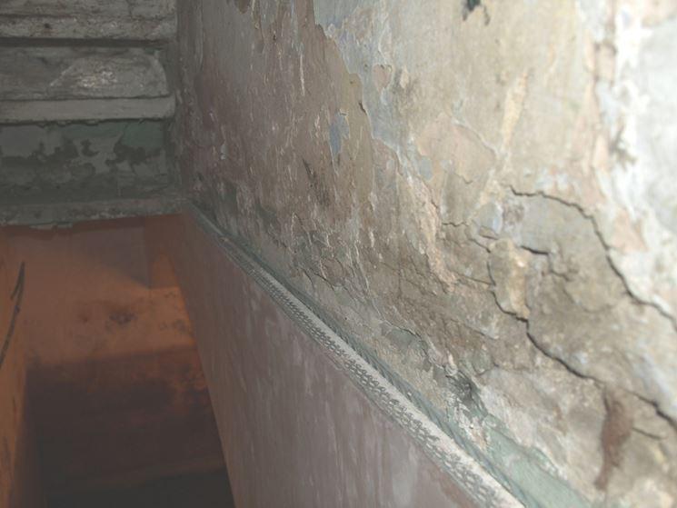 danni da umidità all'intonaco