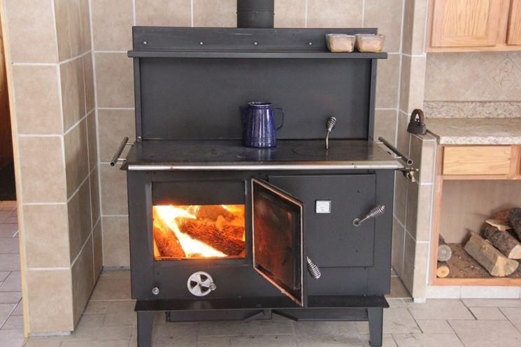 Cucine a legna stufe a pellet cucine a legna - Stufe a legna seconda mano ...