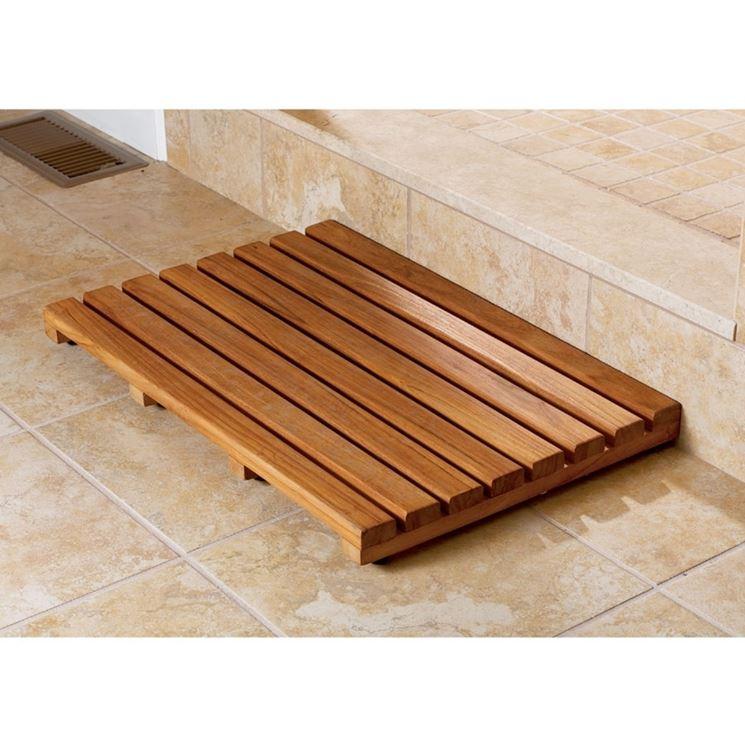 tappeto in legno per bagno