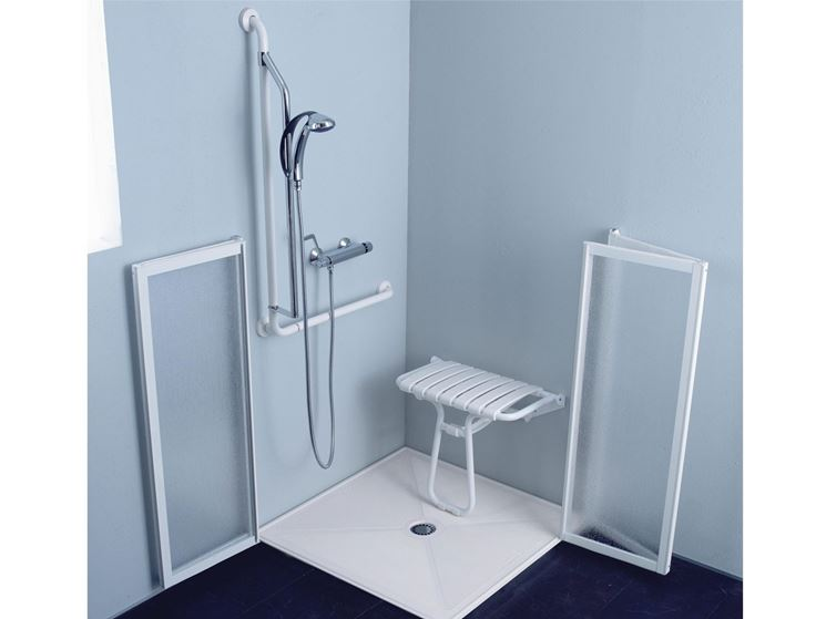 Box doccia per disabili bagno e sanitari installare il box doccia per disabili - Bagno barriere architettoniche ...