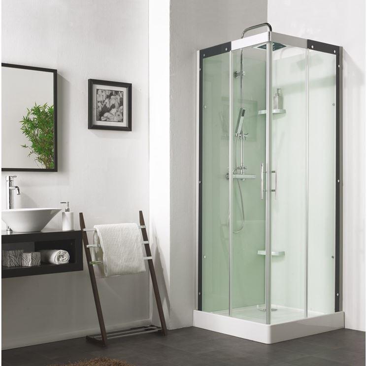 Cabina da doccia con colonna