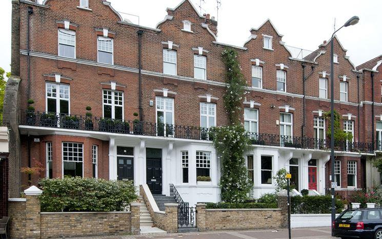 case a schiera stile inglese