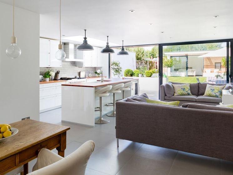 Moderna cucina soggiorno