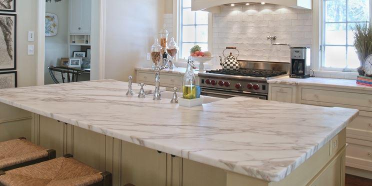 Top cucina in marmo bianco