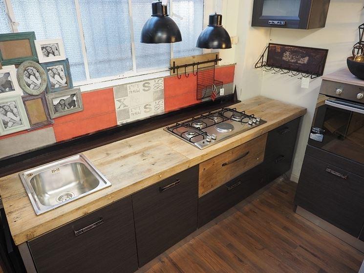 Top da cucina cucine modelli cucine - Cucine legno grezzo ...