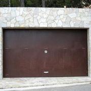Porta basculante in metallo