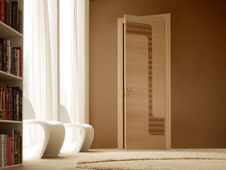elegante porta per interni in legno