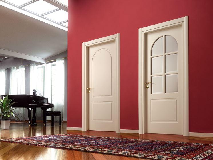 Porte in legno verniciate