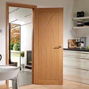 Design di un ambiente con porta.