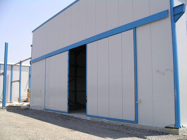 Portone scorrevole per garage