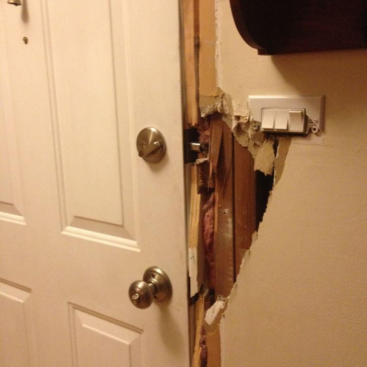 Posa in opera telaio per porta blindata porte interne - Telaio porta scorrevole prezzo ...