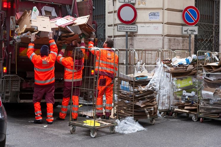 Raccolta rifiuti a Roma